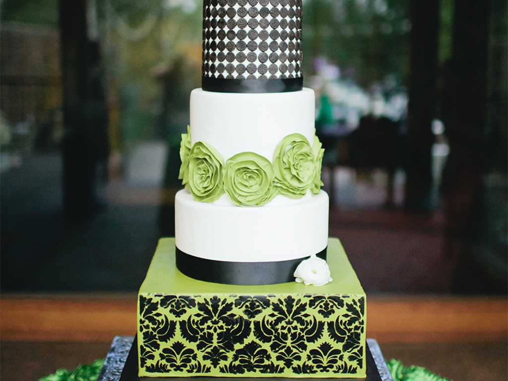 Swanky green black and white modern and damask wedding cake with swanky green black and white modern and damask wedding cake with fresh flowers by sweet and swanky cakes cakecentral dhlflorist Image collections