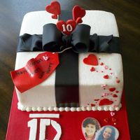 Happy Birthday Avery, With Love Harry   I made this cake for my daughter's friend who LOVES 1D.