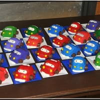 Pinewood Derby Car Cup Cakes Started decorating these with fondant, but it was sooooo time consuming and labor intensive, I switched to decorating with buttercream to...