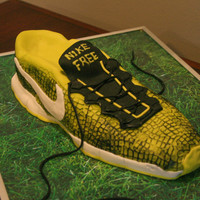 Nike Free Run Shoe My son wanted me to make his shoe for hi birthday cake.