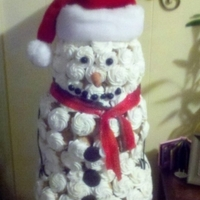 Snowman   made all out of cupcakes