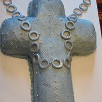 Cross On Chain fondant only on chain, cake only covered in buttercream as the person who wanted cake doesn`t like fondant