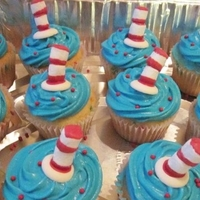 Dr Seuss Cupcakes I Made For Daughters Class Use Choc Melts For Bottom Of Hat And Mini Marshmellows For Hat Dr Seuss cupcakes I made for daughters class. Use choc melts for bottom of hat and mini marshmellows for hat.