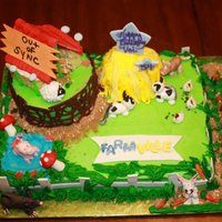 Farmville I made this for my niece on her Birthday: Shes a Farmville addict............................She was almost to surprised to eat it...