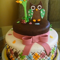 Babyshower Owl Two tier Buttercream with Fondant details