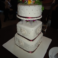 Wedding Cake sponge chocolate and vannila cake with foundant and gum paste flower.