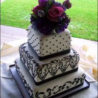 Wedding160.jpg rolled fondant w/ black royal piping