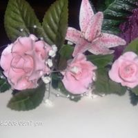 Surgar Roses, Lilies And Babysbreath
