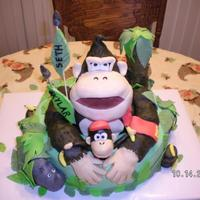 "Donkey Kong & Diddy I learn with each cake ""what-not-to-do""."