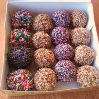 Cake Pop Mix This are chocolate cake pops covered in chocolate and edible decorations and nuts.