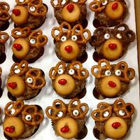 Reindeer Cupcakes German chocolate cupcakes for our church Sunday before Christmas pot luck.