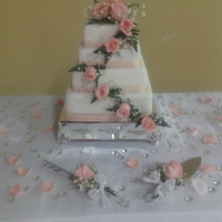 Square Wedding Cake Fresh flowers
