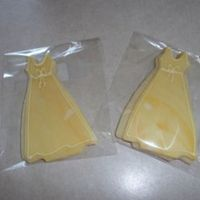 Dress Cookies!   NFSC, fondant and RI outline