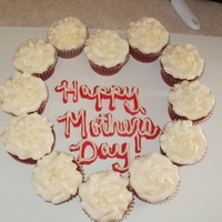 Mothers Day Heart Shaped Cupcakes