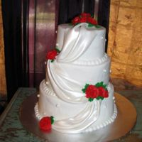 025.jpg another view. my first wedding cake