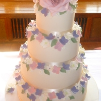 Rose And Hydrangea Floral Wedding Cake