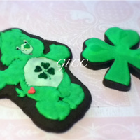 Good Luck Bear St. Pattys Cookies All done by hand, his nose and his pink heart patch are heartquins