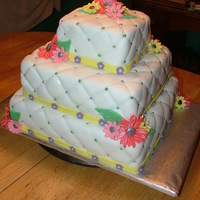 Quilted Daisy Themed Wedding Cake
