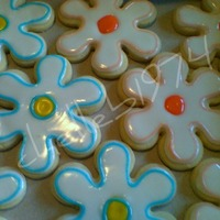 Flower Cookies  Did these cookies for a demo at an ICES Event. The cookies are NFSC with Antonia74's icing. The colored centered were flooded first...