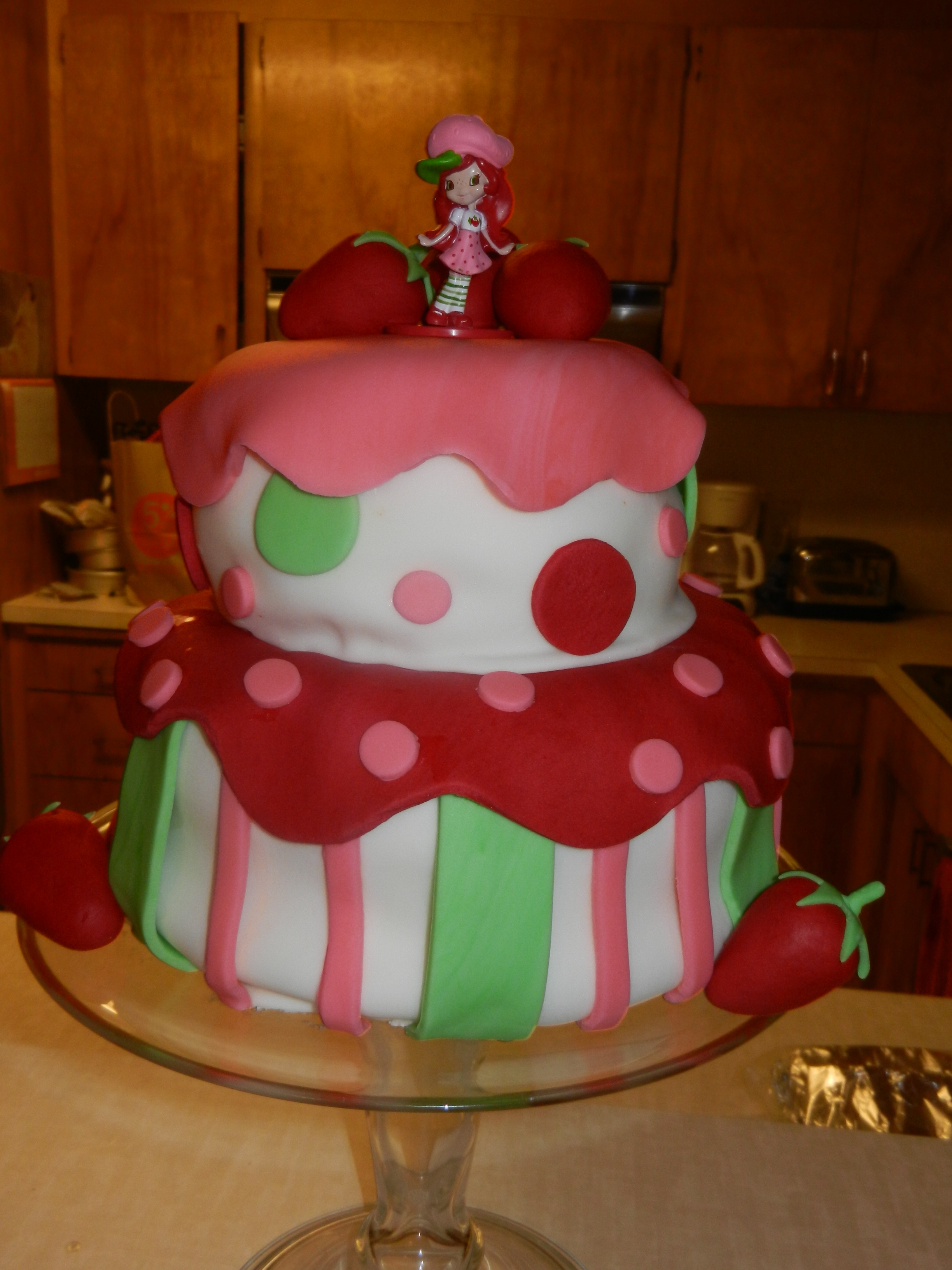 Strawberry Shortcake 3Rd Birthday   Lots of fondant