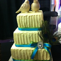 Rustic Birds Another bridal show display cake. I tried to incorporate 2 trends I am seeing a lot of lately: textured buttercream and birds/feathers/...