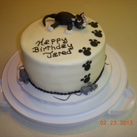 Kitty And Mice buttercream, g/p, fondant decos. was sent this pic by client. don,t know who to give credit to.