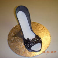 G/p High Heel Shoe I made this shoe at Swankcakedesign in Raleigh, N. C. It was a great and fun class.