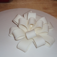 Gum Paste Bow   White Gum paste Bow Wedding Cake