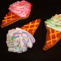 Swirled Royal Icing Ice Cream Cones