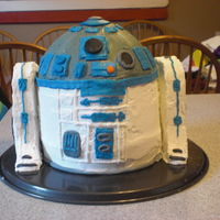 R2D2 This was for my niece's birthday. She wanted Star Wars themed, so R2D2 it was! Although I couldn't resist making another cake to...