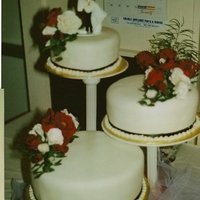 Red And White Rose Wedding Cake