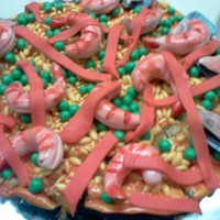 Paella this was my last Birthday cake. I wanted a paella. Everything is made in fondant...hungry and a LOT OF IMAGINATION! Enjoy it!