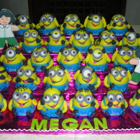 Class Picture Of Minions This is for the same celebrant of the other minions cake I posted. She wanted to give her classmates a minion each and her teacher a cookie...
