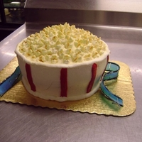 "Popcorn Cake Bucket of popcorn: what you can do with a double layer 8"" cake and a bowl of buttercream in 20 minutes.and some mini marshmallows."