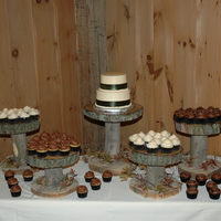Barn Wedding Cupcake Flavors Death By Chocolate Peanut Butter Silk With Chocolate Frosting Carrot Cake And Coconut Cake Barn wedding. Cupcake Flavors: Death by Chocolate, Peanut Butter Silk with chocolate frosting, Carrot cake and Coconut cake.
