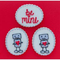Robot Love<3 Saw these cute little guys on Pinterest.