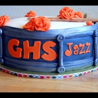 School Jazz Band - Drum Cake All decorations made of fondant.