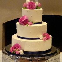 Wedding Cake buttercream cake with fresh flowers