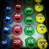 Sesame Street Cupcakes For My Son's 2Nd Bday! Buttercream with mmf fondant nose/beak