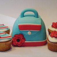 Purse Cakelet With Coordinating Cupcakes