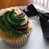 Camouflage Cupcake   Tri-Color Camouflage Cupcake :)