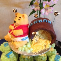 Winnie The Pooh Cupcakes For Babybshower