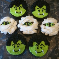 Draculas And Mummies Not sure where to give credit...I see these all over CC! These are for my daughter's party at school and they were so fun to make!