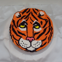 Madison's Tiger Cake I cake lifted this off of somebody on this site, she did such a good job I copied itAll bc