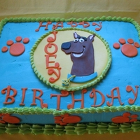 Scooby Doo Sheet Cake Buttercream covered with fondant accents