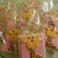 Pink Giraffe Cookies After I made these with a blue background, I was immediately asked to make pink ones :)