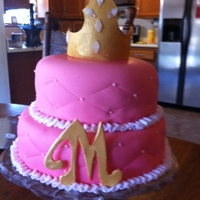 1319309025.jpg Gold fondant crown, jewels, yellow cake with fondant