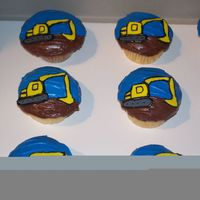 Excavator Cupcakes I MADE THESE FOR A LITTLE GUY WHO WAS TURNING 4. HE LOVES EXCAVATORS AND HE ABSOLUTELY LOVED THESE CUPCAKES!!