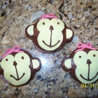 Monkey Cupcakes i made these for a friend whose little girl was turning 1. she absolutely loved them!