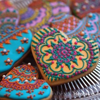 Henna Heart Cookies! Hi all, time for my annual post ;) Just did some henna inspired cookies yesterday, so much fun! Since I normally do henna, it's such a...